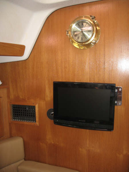 12 volt tv on a boat